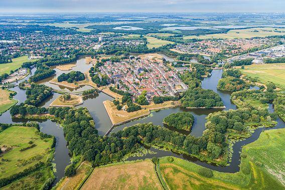 Luchtfotografie en bovenaanzicht van de historische vestingstad Naarden
