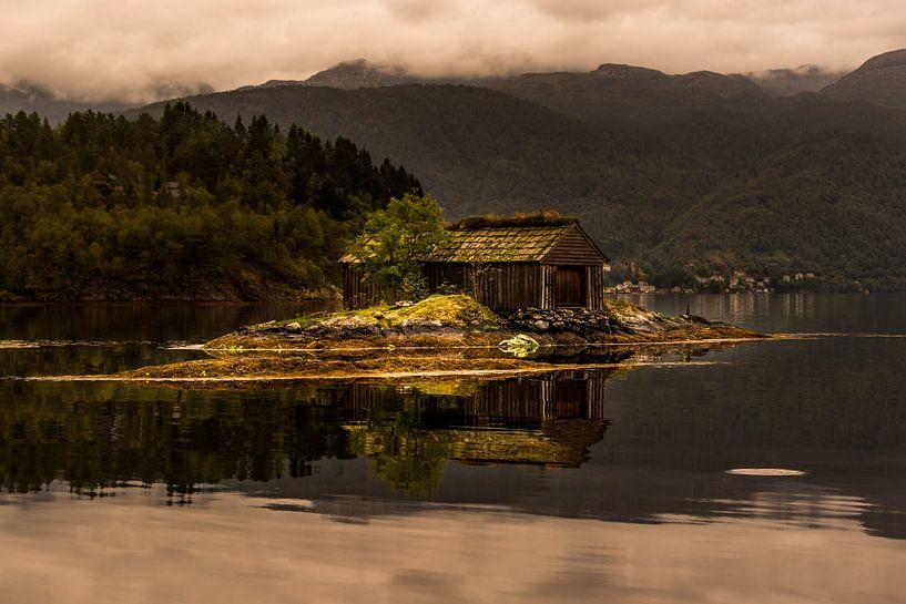 Old Boathouse  van Arthur Wolff