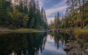Yosemite NP - spiegeling in de rivier van