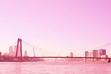 Rotterdam - Willemsbrug en omgeving - in rode tinten van Ineke Duijzer