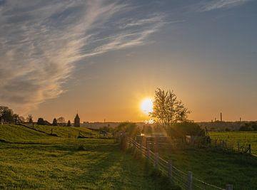 zonsondergang over Heteren van Tania Perneel