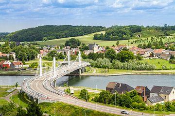 Hangbrug in het dorpje Kanne, Belgisch Limburg van