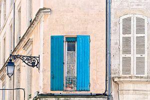 Franse gevel met blauwe luiken