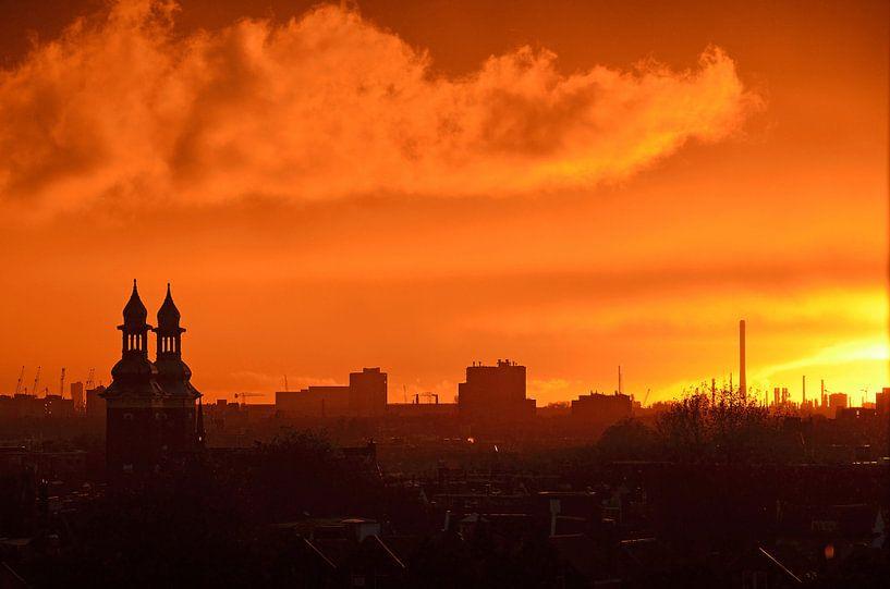 Red Skies over Paradise, Rotterdam van Frans Blok