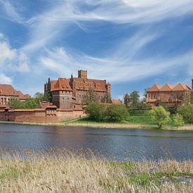 le château de l'ordre teutonique à Malbork, en Poméranie, en Pologne. sur Peter Eckert