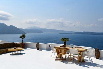 Terrassenblick über Santorini