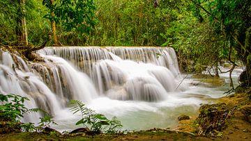 Am rauschenden Wasserfall von Denis Feiner