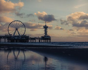 De pier van Scheveningen. van