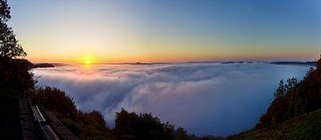Boven de wolken sur
