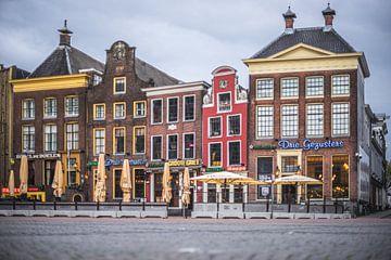 """""""De Drie Gezusters"""" op de Grote Markt, Groningen van Hessel de Jong"""
