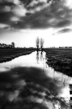 Vlist Zuid Holland, black white, zwart wit, landschap, l;andscape, clouds.