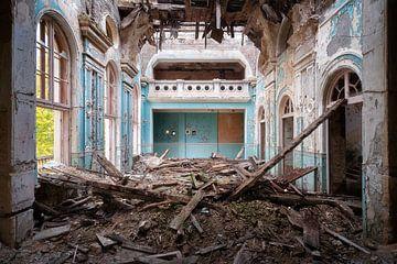 Le théâtre abandonné dans la déchéance. sur Roman Robroek