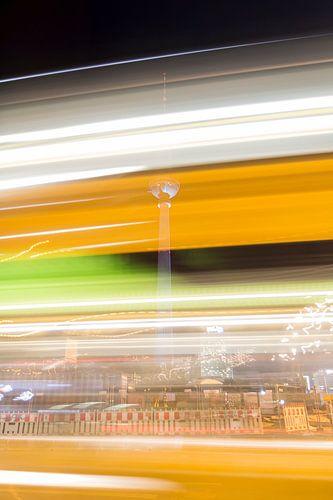 Berlijn - Fernsehturm van Bas Ronteltap