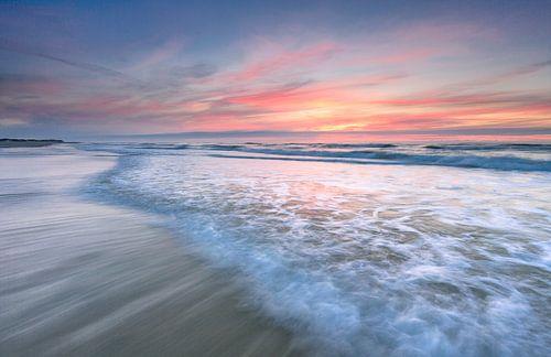 Opkomend water Noordzeestrand Terschelling van