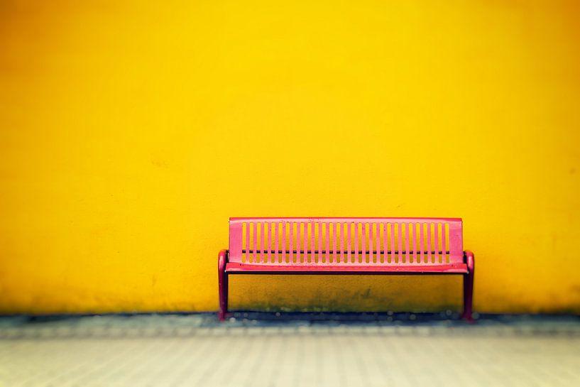Yellow & Red van Richard Marks