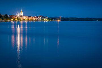 Friedrichshafen in de avond