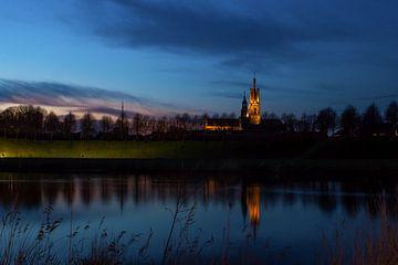 Basilique de Hulst après le coucher du soleil sur Yvonne Prinsen