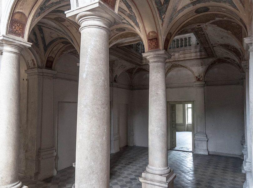 Pilaren in kasteel von Fatima Maria Mernisi
