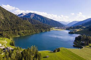 Luftbild vom Davosersee in Davos von Werner Dieterich