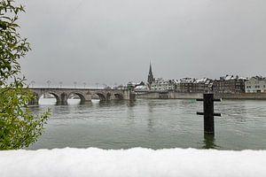 Winterse kijk op Wyck, Maastricht en de Sint Servaasbrug