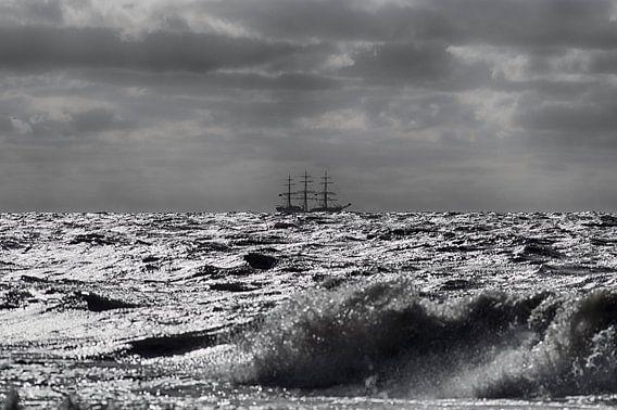 Driemaster op volle zee