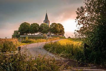 Kirchturm im Abendlicht von Jaap Terpstra