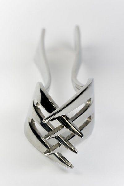 Abstracte compositie van twee vorken van Tonko Oosterink