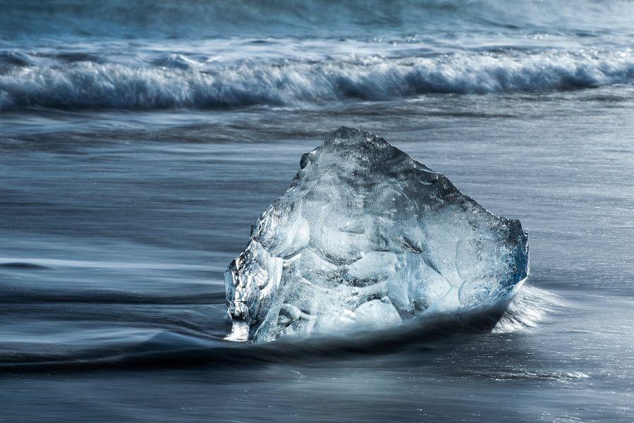 Strand Diamant bij Jokulsarlon van Gerry van Roosmalen