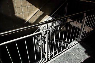 Lumière du soleil dans l'escalier sur Norbert Sülzner