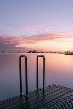 Long exposure natuur fotografie | Oudega, Friesland | Zonsondergang over het meer van Manon Galama