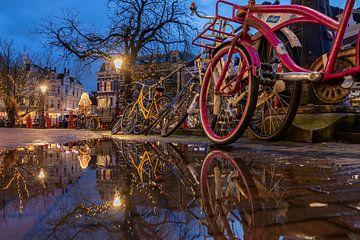 Avondsfeer langs de Oudegracht, Utrecht van André Russcher