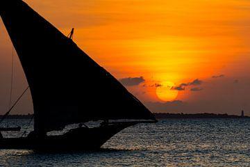 Zonsondergang zeilboot