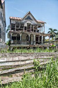Bouwval in Paramaribo van