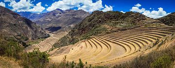 Panorama des terrasses incas au Moray, Pérou sur Rietje Bulthuis