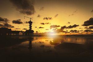 De Scheveningse Pier bij zonsondergang