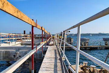 Baustelle am Kieler Hafen mit Blick auf die Ostsee