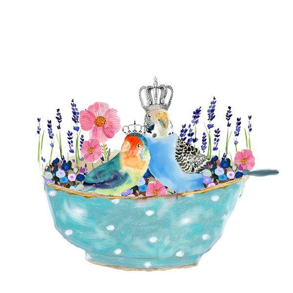 Vogel in schaaltje met lavendel en bloemen