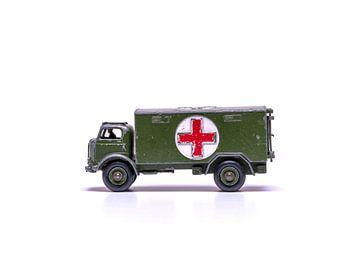 Speelgoed leger voertuig van Maurice Volmeyer