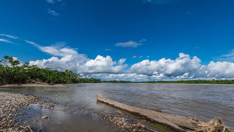 De Pastaza rivier Ecuador van Lex van Doorn