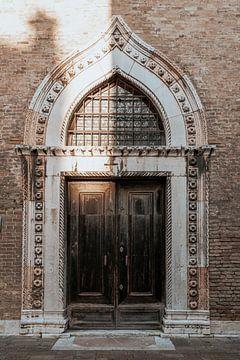 Prachtige deur in Venetië, Italië van Milene van Arendonk