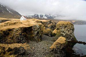 Living on a rock, IJsland