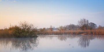 Verstild landschap met vliegende eenden. von Evert Jan Kip