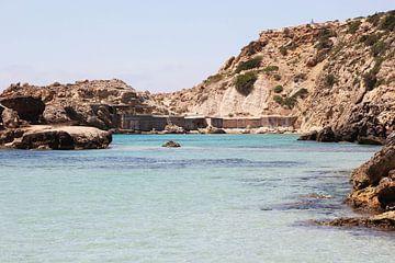 Uitzicht over zee op Ibiza von Carola Doornbos