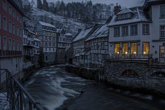 Monschau in de winter van Richard Driessen