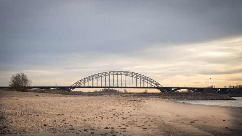 Waalbrug Nijmegen van Cindy Arts