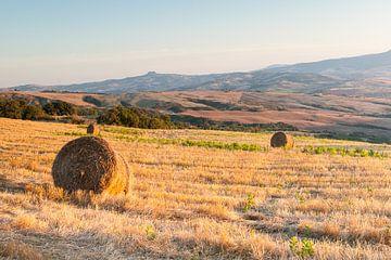 Hooibalen op de heuvels van Toscane sur Damien Franscoise