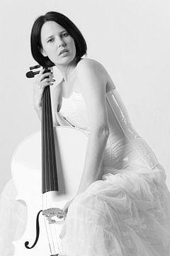 ...Weißes Cello...