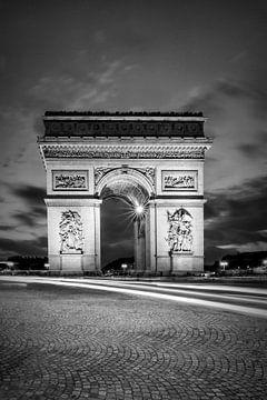 PARIJS arch of triumph | zwart-wit van Melanie Viola