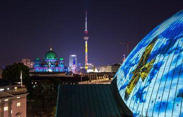 Berlijnse televisietoren in een bijzonder licht