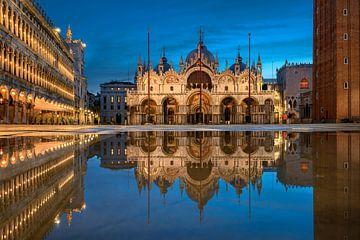 Die Piazza San Marco in Venedig von Michael Abid